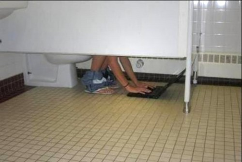 TOILET LAPTOP modified